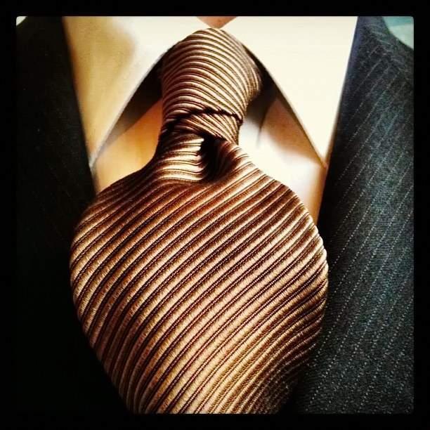 Как завязывать галстук - узел Балтус