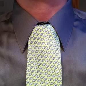 Как завязывать галстук - узел Онасис