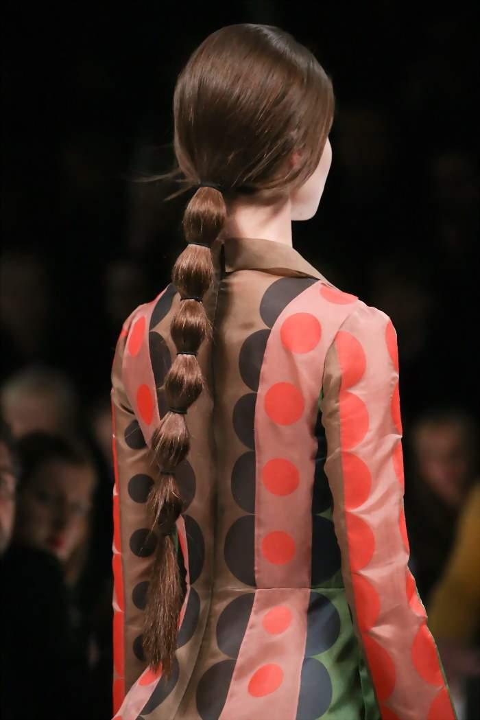 прически для длинных волос с косами
