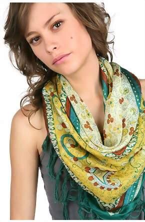шарф в свободном стиле