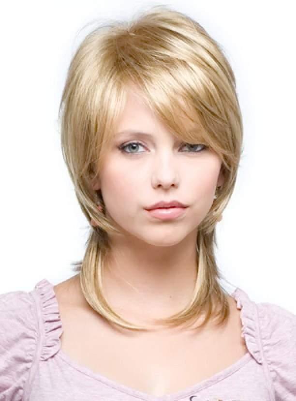 стрижка каскад на средние волосы фото