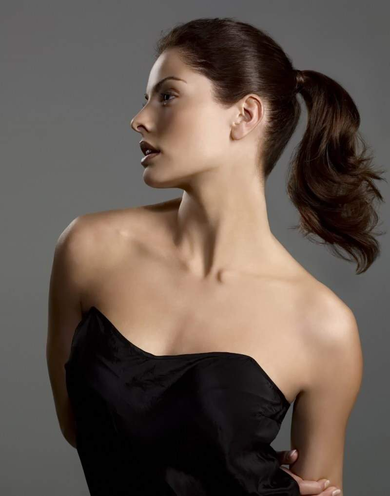 простые красивые прически на длинные волосы - хвост