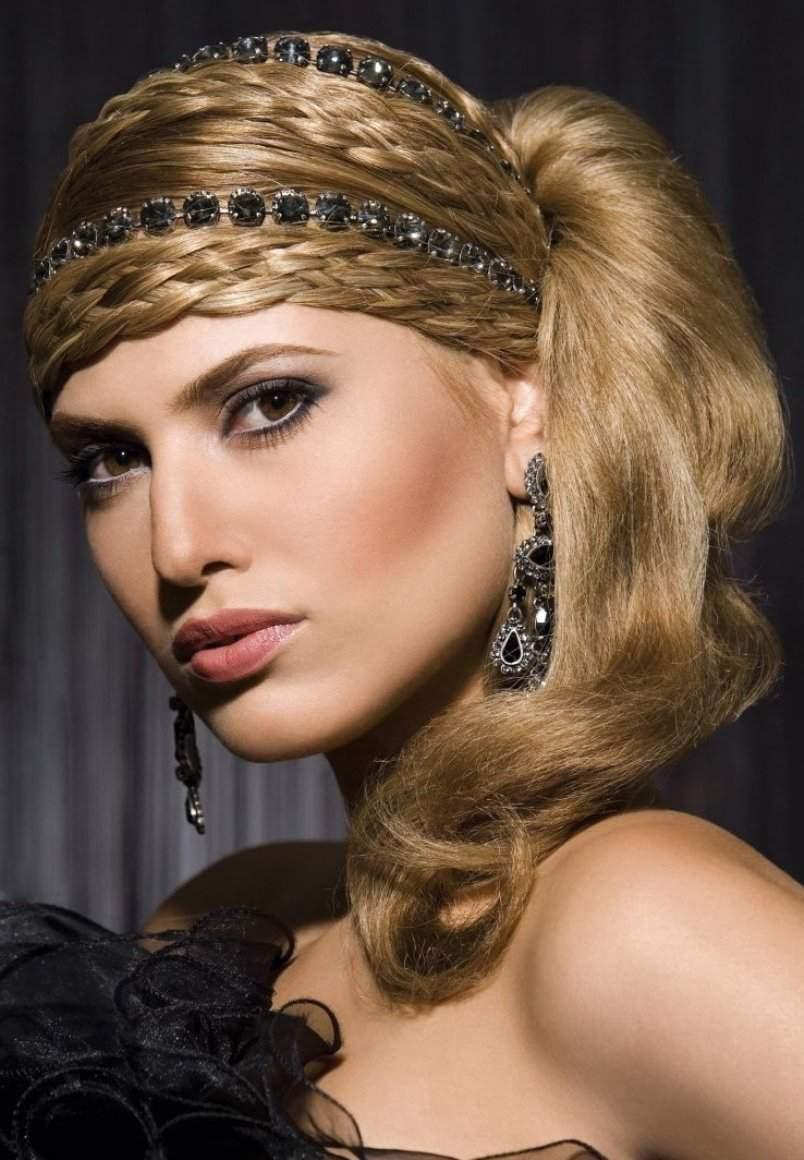 Виды и способы укладок на длинные волосы в греческом стиле