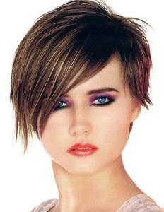 прическа для круглого лица на короткие волосы