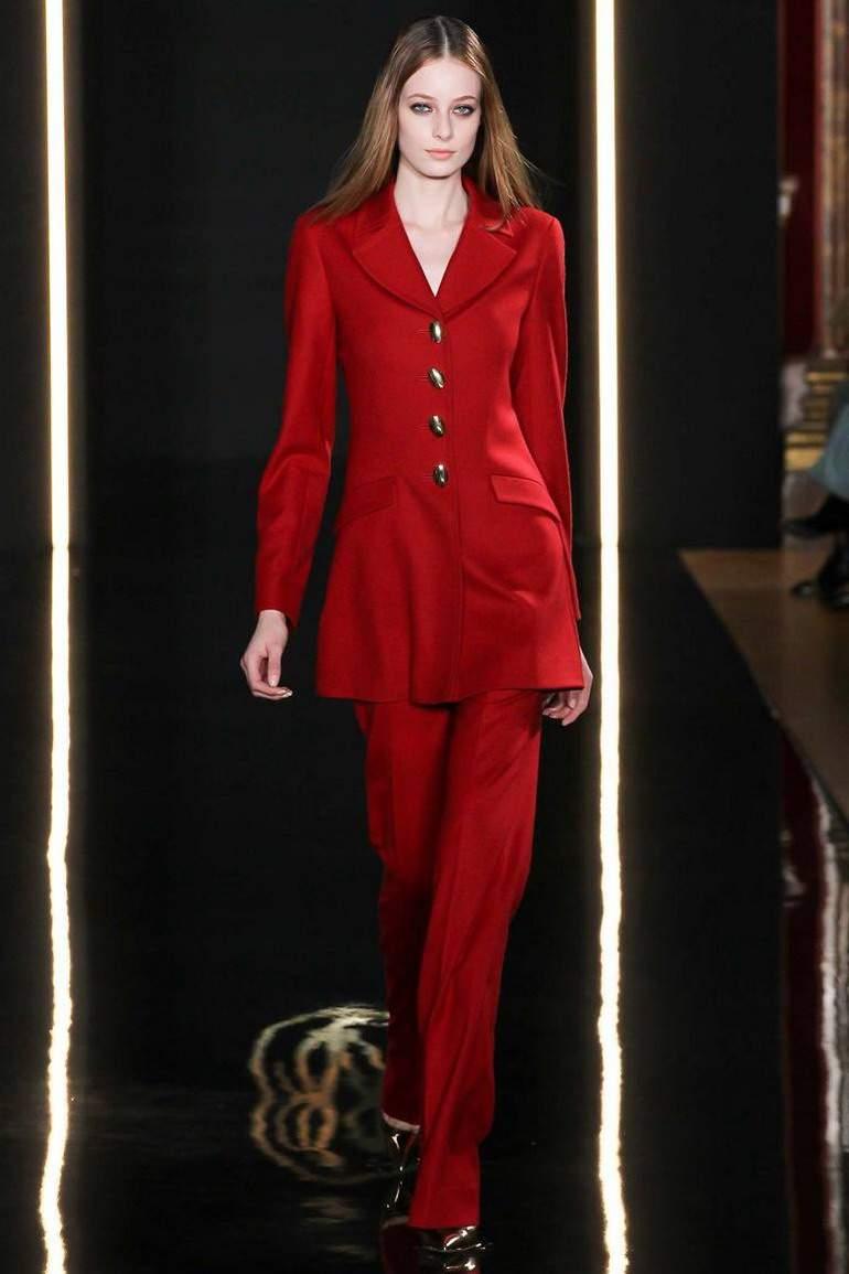 красный цвет в гардеробе