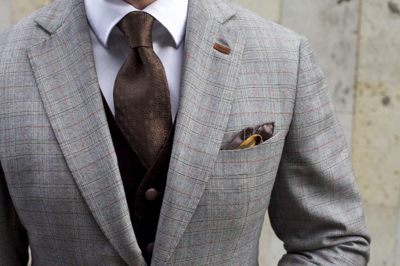 Двойной узел для галстука