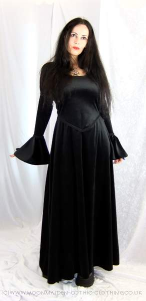 Готтические макси-платья.