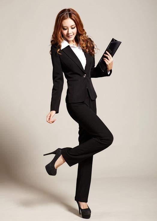Роскошный и элегантный классический стиль одежды.