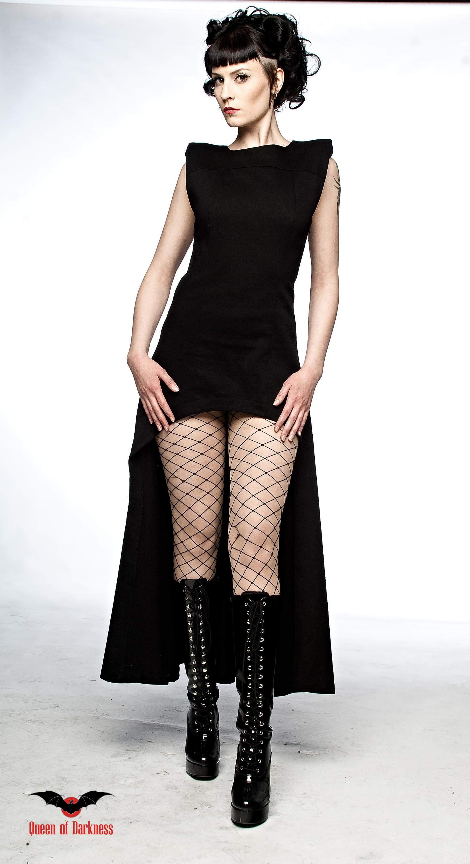 Готические макси-платья.