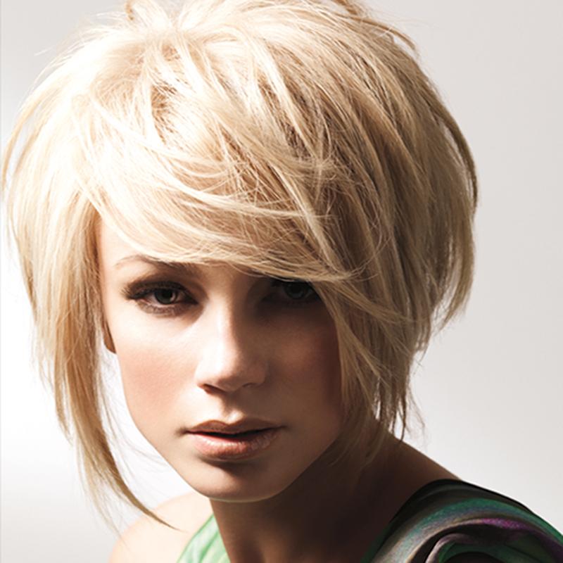 градуированная стрижка на короткие волосы