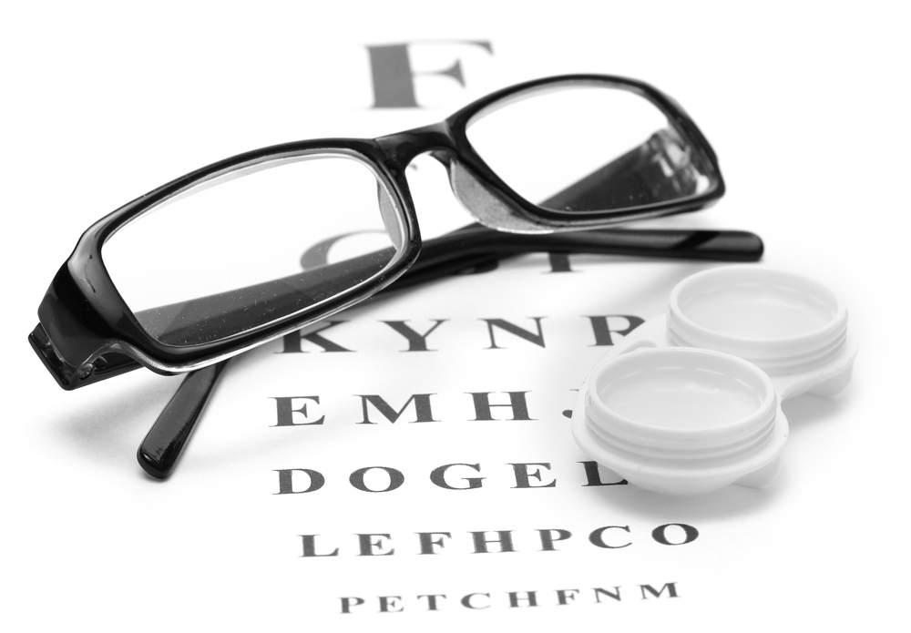 Очки или линзы, что выбрать?