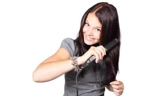 накрутить волосы утюжком