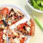 Пицца с черносливом и коньяком