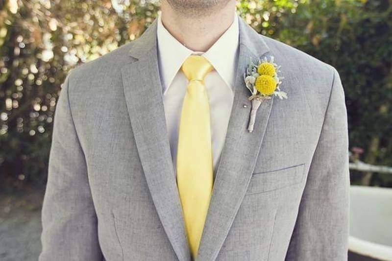 желтый однотонный галстук